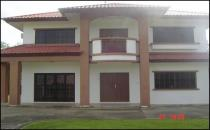 HOUSE FOR RENT IN SERASA
