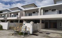 Bunut terrace house UF 700